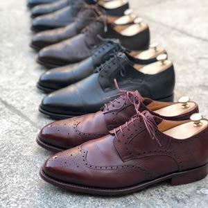 Полный уход за гладкой кожей обуви