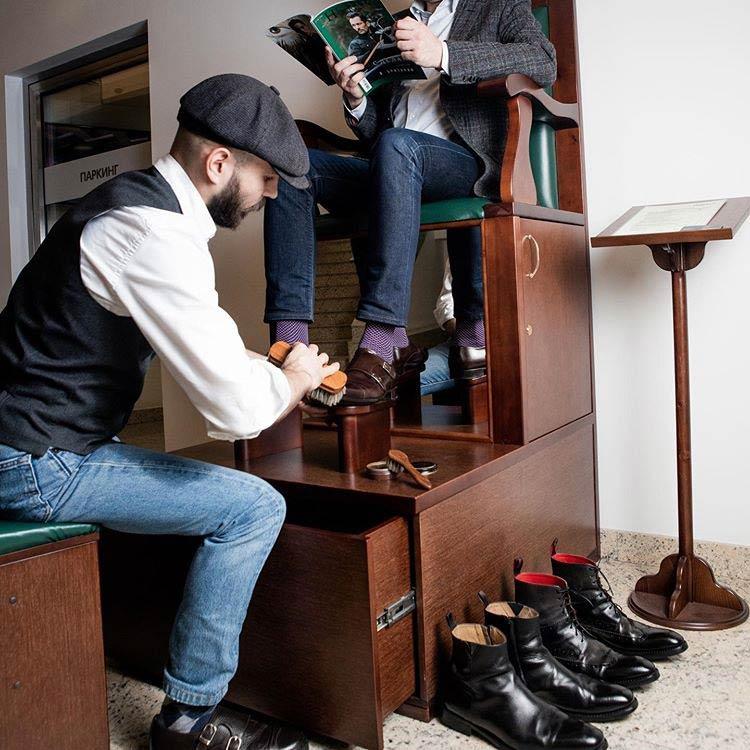 Кресельная чистка обуви возле метро Арбатская, Александровский сад, Боровицкая, Библиотека им.Ленина, Охотный ряд